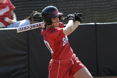 Softball Outlasts Moccasins for SSC Win