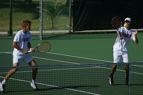 Men's Tennis Downs Tars to Advance to Nationals