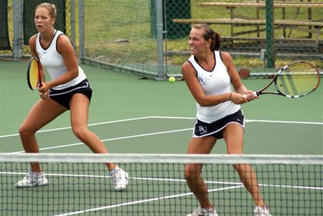 Women's Tennis Survives Tars To Advance to Nationals