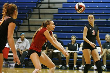 Volleyball Opens 2008 Season With a Pair of Wins
