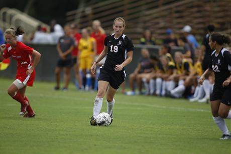 Women's Soccer Defeats Sailfish