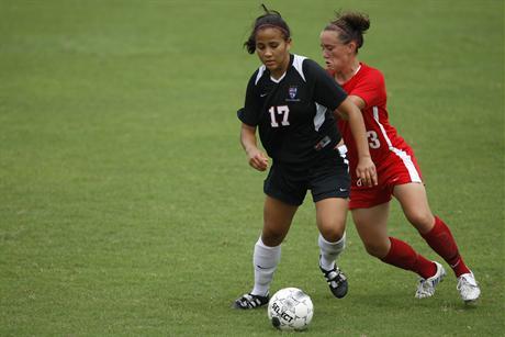 Women's Soccer Falls To Unbeaten Argonauts