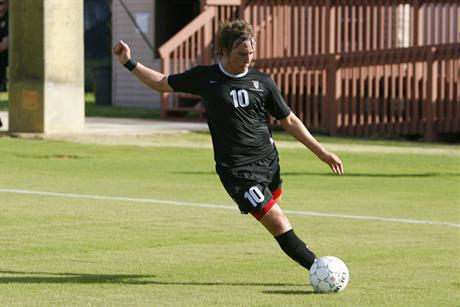 Men's Soccer Holds On For Win Over Mocs