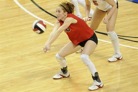 Volleyball Beats Rollins in Four Sets
