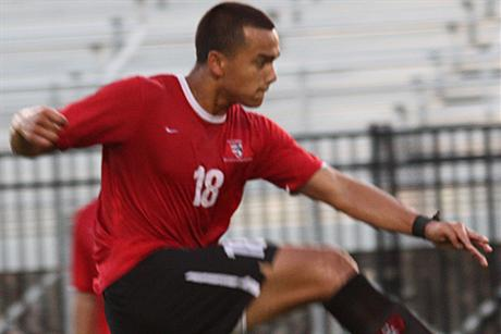 Men's Soccer Sinks Tars 5-2