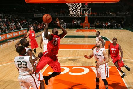 Men's Basketball Drops Exhibition To 'Canes