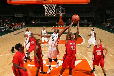 Women's Basketball Drops Nailbiter to Hurricanes