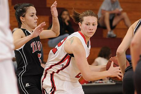 Spartans Escape With Victory Against Women's Basketball