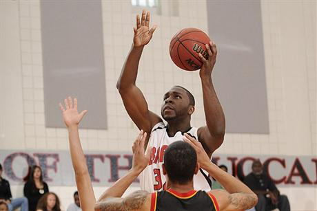 Men's Basketball Stifles Spartans