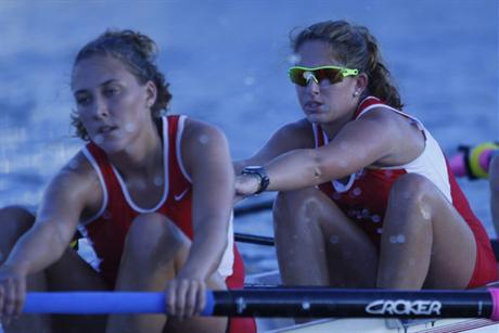 Rowing Slips against Philadephia