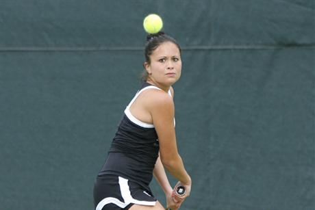 Women's Tennis Slays Tritons