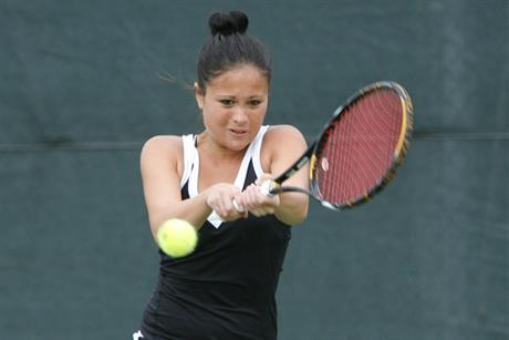Women's Tennis Earns Easy Win