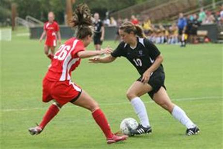 Women's Soccer Falls at Hands of Pioneers