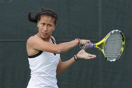 Women's Tennis: Yablonskaya Wins Consolation Flight