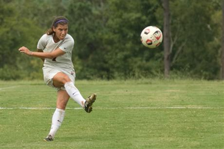 Women's Soccer Falls to #9 Rollins