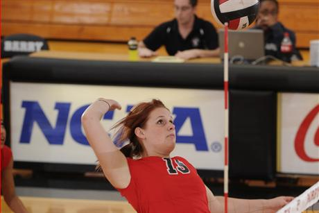 Volleyball Takes Down Florida Southern