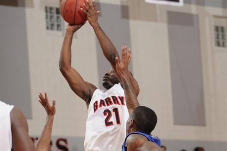 Men's Basketball Swamps Tritons