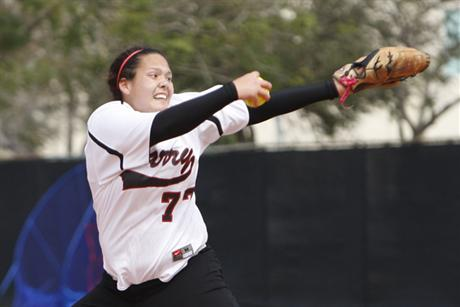Softball Opens Wolves Invite With Split