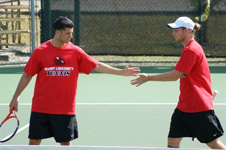 Men's Tennis Falls To Top-Ranked Pirates