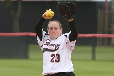 Softball Splits Doubleheader With Molloy