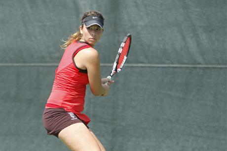 Women's Tennis Rolls Through Rollins in SSC Semis