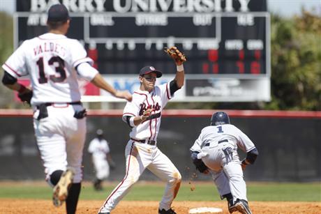 Baseball Drops Pair To The Tars