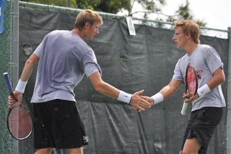 Men's Tennis Tames Tigers en Route to NCAA Nationals