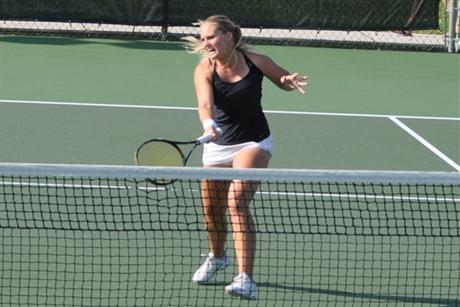 Women's Tennis Blanks Lopes and Moves to Quarterfinals