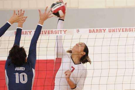 Volleyball Drops First Two Sets; Rallies To Beat Saint Leo