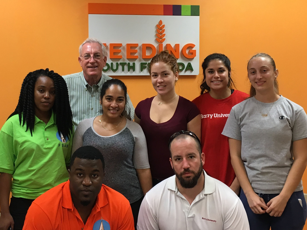 Barry nursing students volunteer at Feeding South Florida